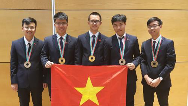Vietnam wins two golds at 2018 International Physics Olympiad
