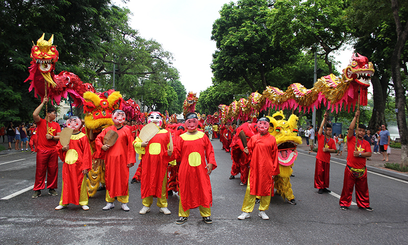 Street festival around Hoan Kiem lake