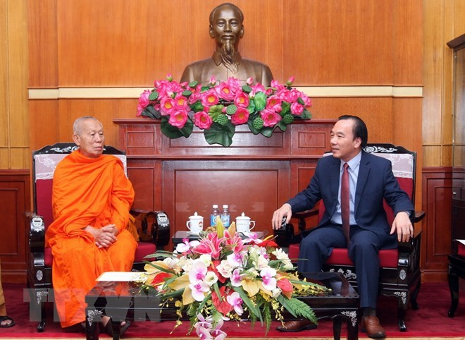 VFF Vice President receives Lao Buddhist official