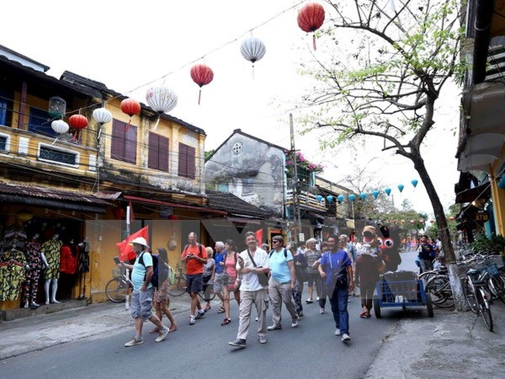 Foreign tourists to Vietnam continues to grow