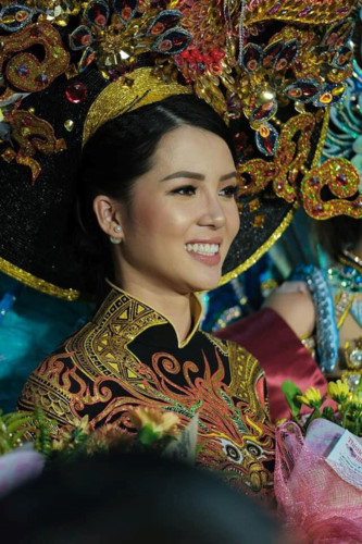 Vi wins first runner-up of national costume contest in Manila
