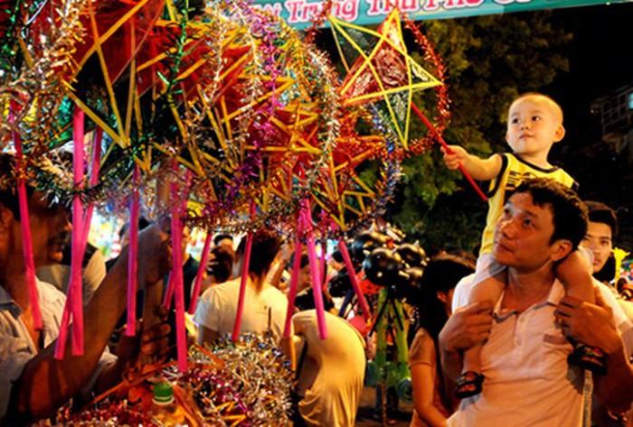 Mid-autumn Festival in Hanoi Old Quarter