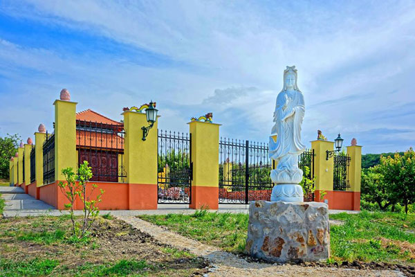 First Vietnamese pagoda recognized in Hungary