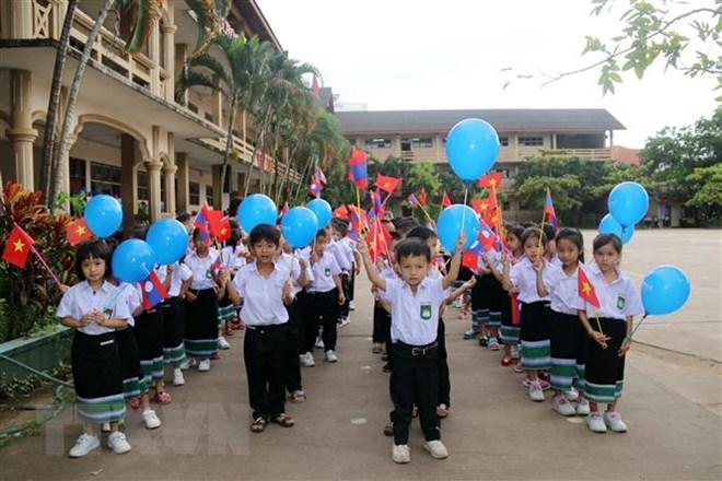 Nguyen Du bilingual school in Vientiane launches new school year