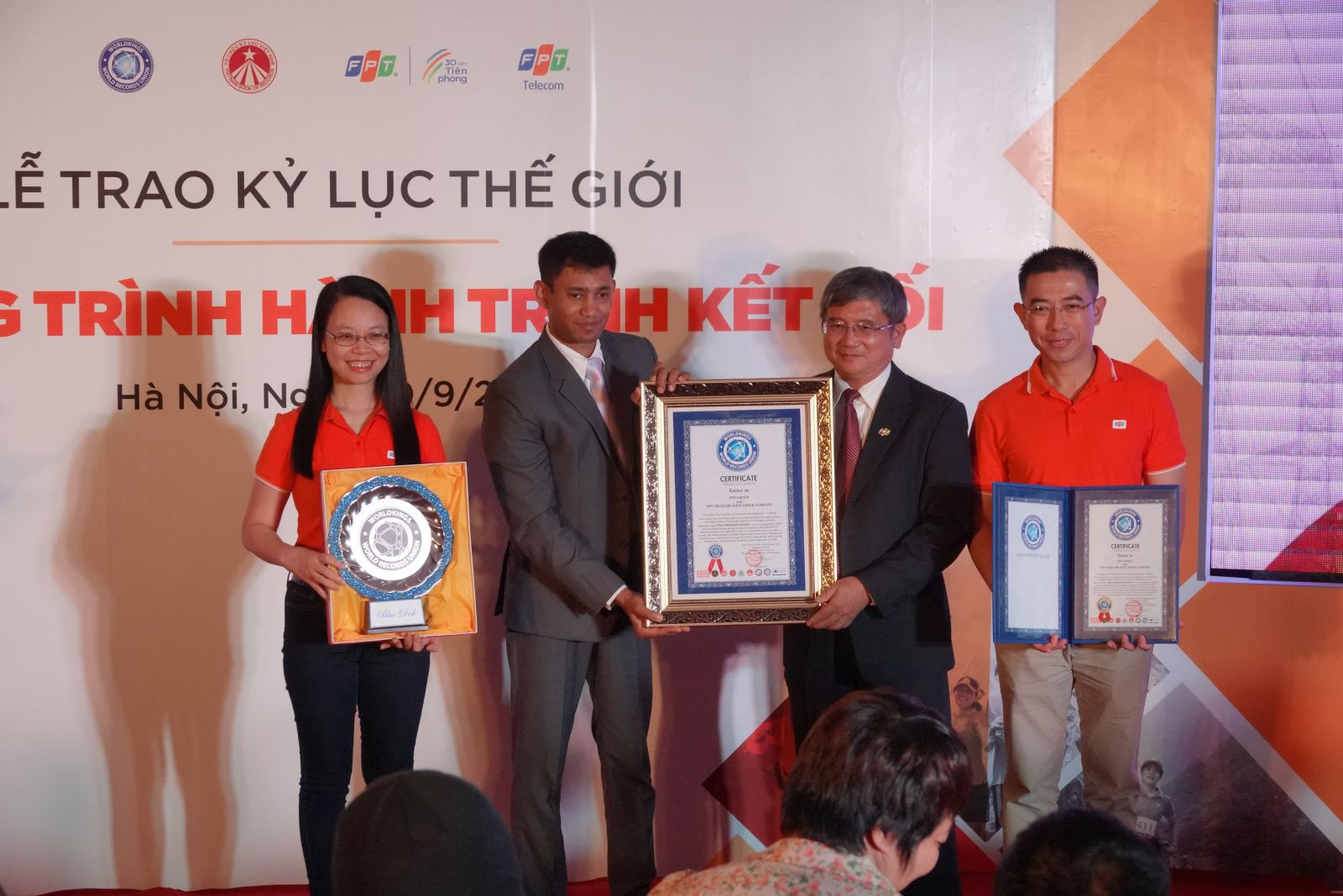 World record contributes to promoting Vietnam's image