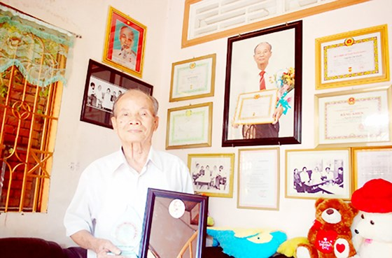 Ben Tre province: Club follows Uncle Ho's example