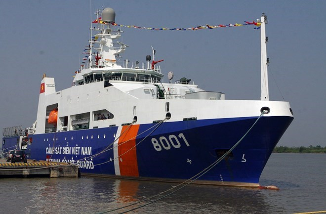 Vietnam - India coast guard carry out joint drill