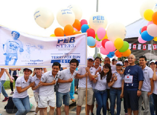 Run raises funds for cancer research