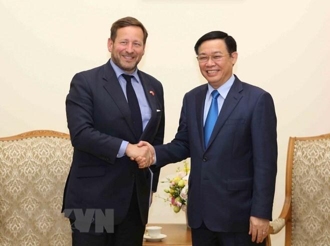 UK to help Vietnam with smart city building