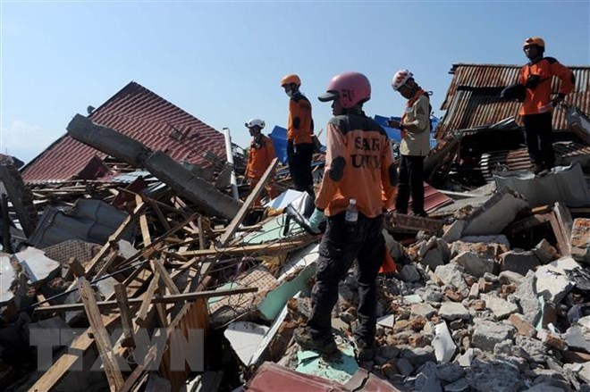Indonesia: Twin-disaster death toll soars to 2,04