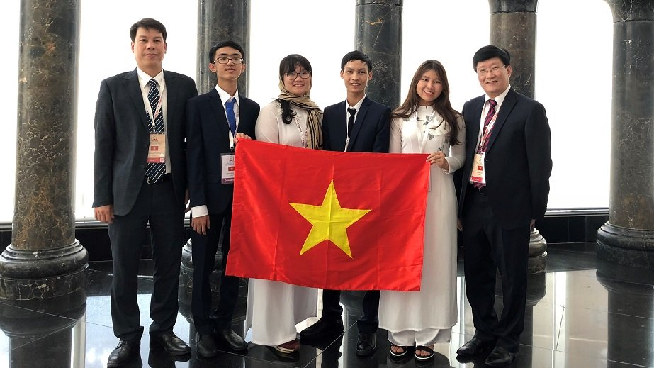 Vietnamese students win 38 regional and international Olympiad medals