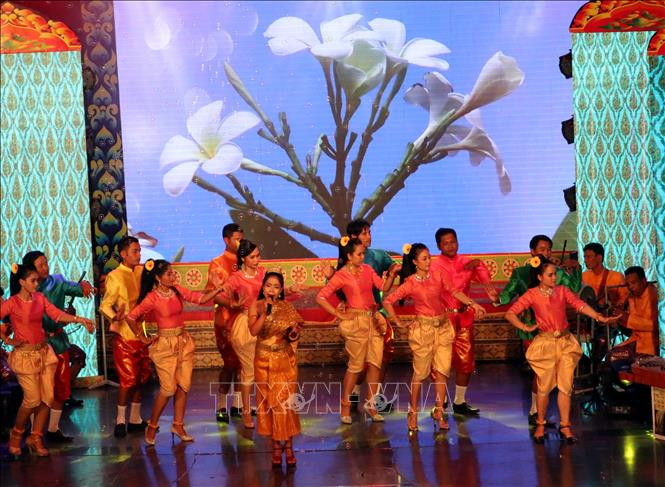 Southern Khmer folk singing festival in Soc Trang province