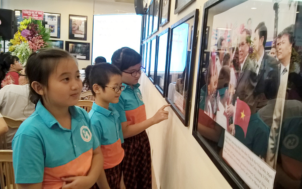Photos on Vietnam - Cuba solidarity and friendship displayed in HCM city