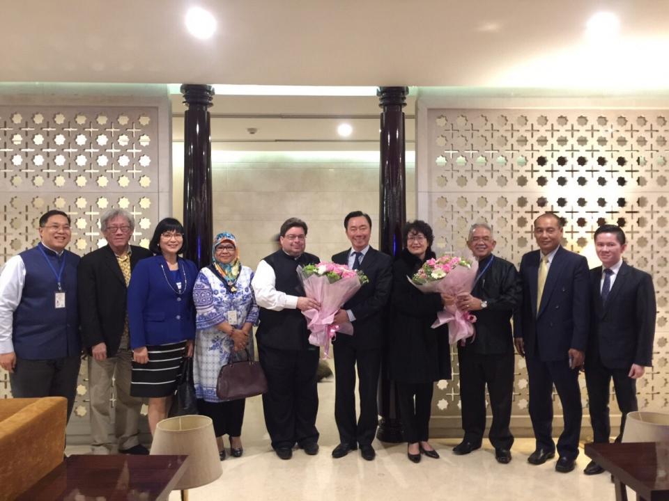 Ambassador Pham Sanh Chau starts his new working term in New Delhi