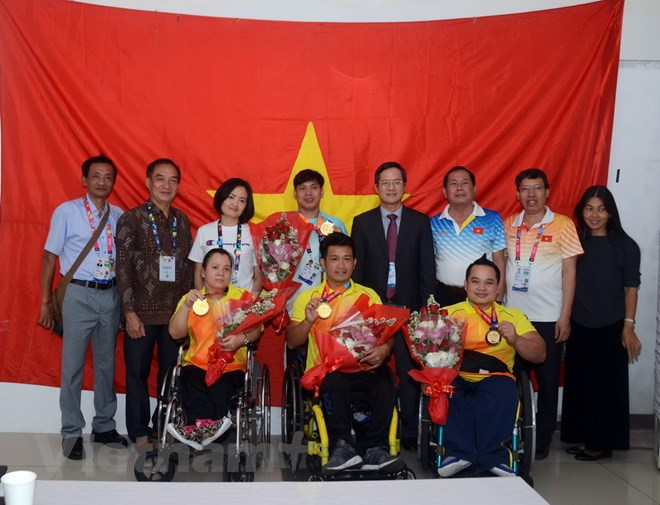 Vietnamese Ambassador to Indonesia congratulates sports delegation