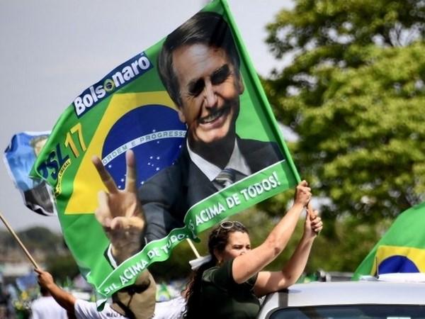 Brazil election: Jair Bolsonaro wins first round