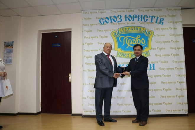 Vietnamese Ambassador to Ukraine awarded Order of the Rule of Law and Justice