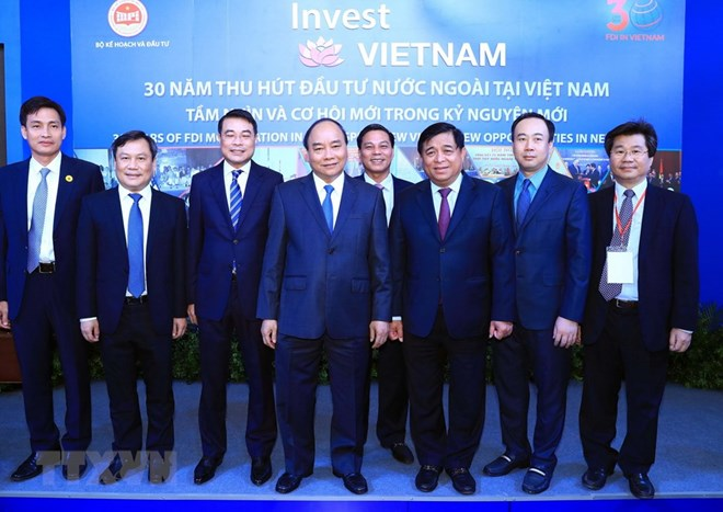 Vietnam commits to improving investment environment: PM