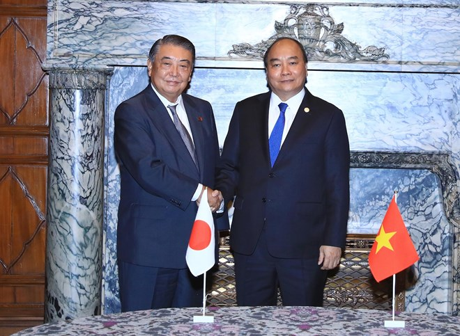 PM Phuc meets with leaders of Japanese parliament