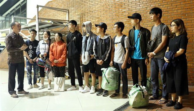 10 Vietnamese students stranded in earthquake zone moved to Jakarta