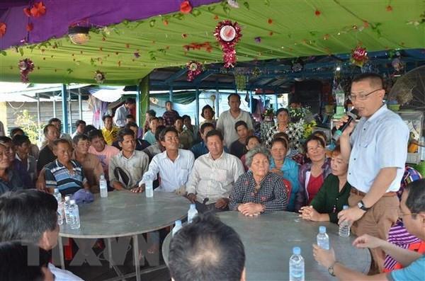 Ambassador meets Vietnamese Cambodians in Kampong Chhnang