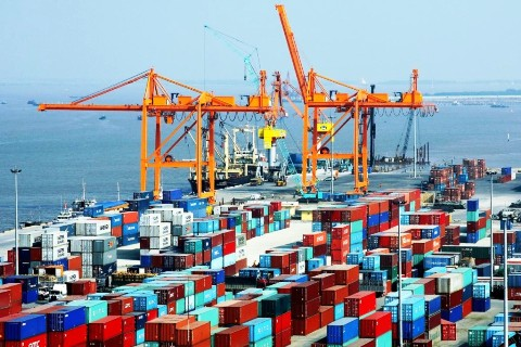 Trade surplus hits record high at over USD6 billion