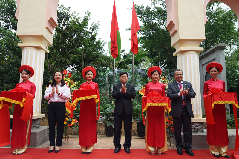 Gate of Morocco - the profound traditional friendship between Morocco and Vietnam