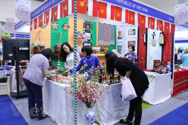 Vietnam joins annual international bazaar in Indonesia