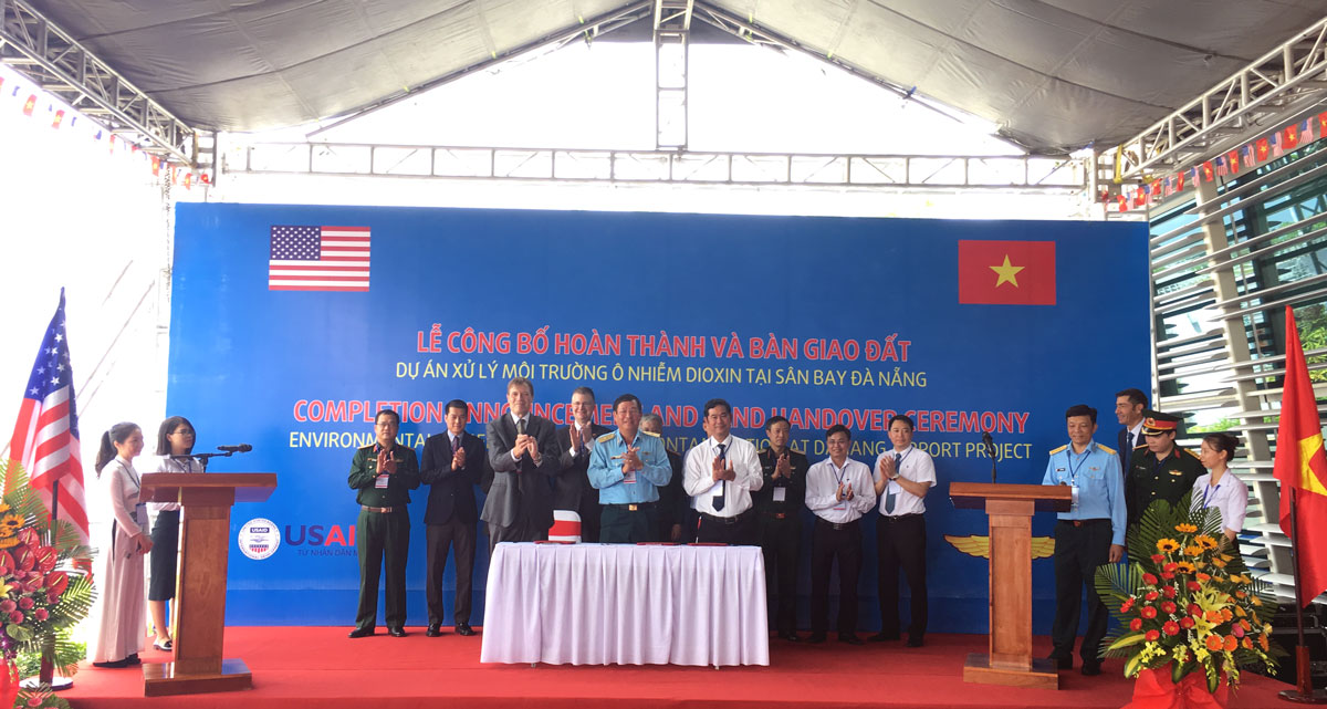 Vietnam, US complete environmental remediation project at Da Nang airport