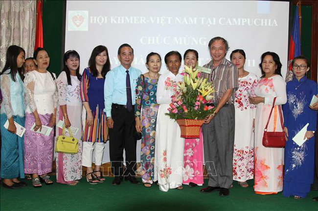 Khmer-Vietnamese Association in Cambodia celebrates Vietnamese Teachers' Day