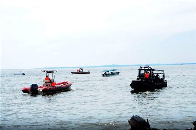 Boat capsizes in Uganda, at least 35 dead
