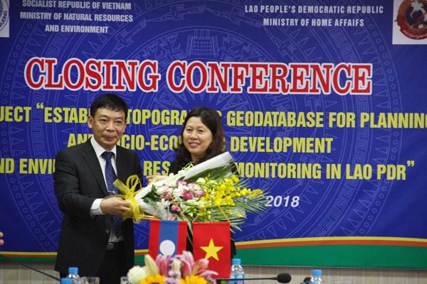 Vietnam helps Laos build topographic database