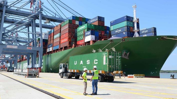 Vietnam's trade surplus hit USD6.8 billion in 11 months