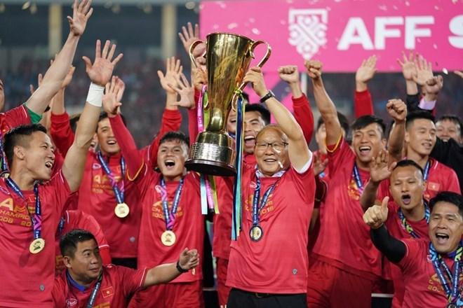 Vietnam wins AFF Suzuki Cup trophy