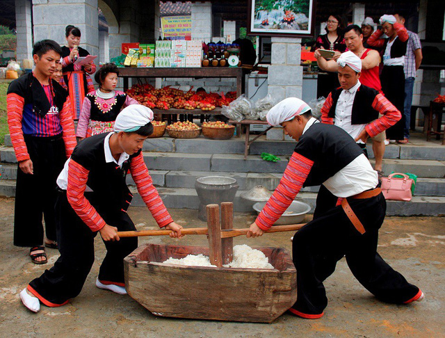 Vietnam National Village for Ethnic Culture and Tourism: What