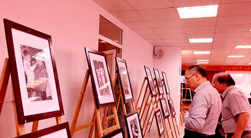 Photos of Cuban revolution leaders on display in Hanoi