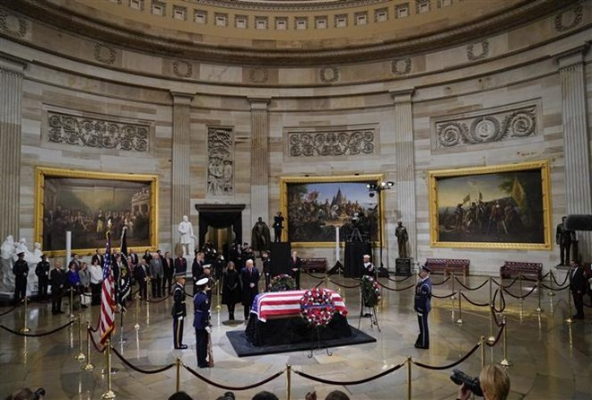 Vietnamese Ambassador pays tribute to US President George H. W. Bush