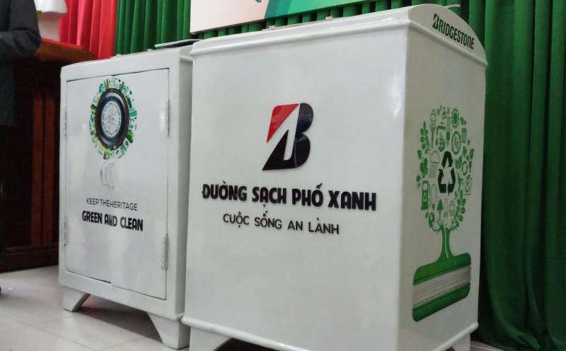 Hue receives 20 smart waste bins