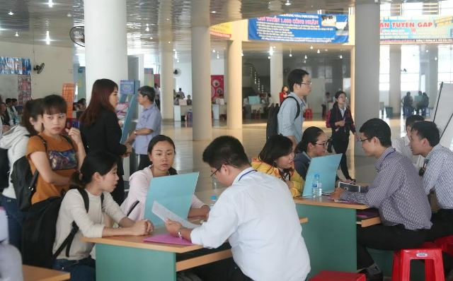 Hanoi reports low unemployment rate