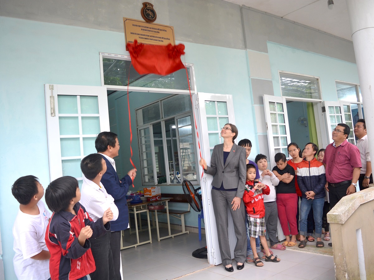 Canada presents 2 classrooms to AO victims
