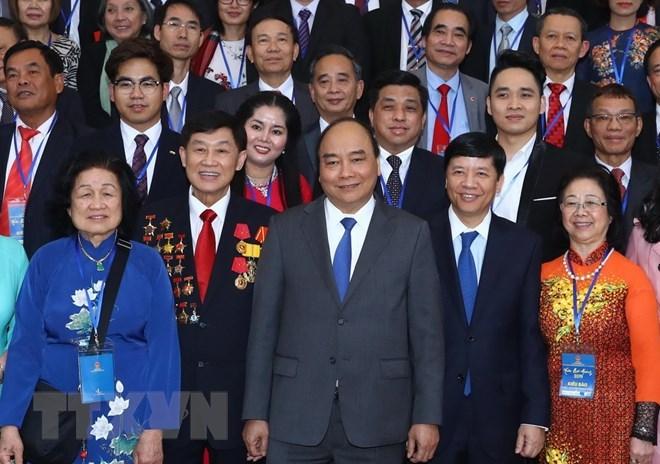 Prime Minister meets overseas Vietnamese joining Homeland Spring program