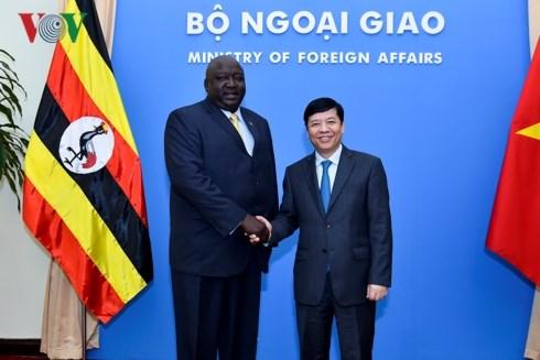 Diplomatic officials seek measures to boost Vietnam-Uganda ties