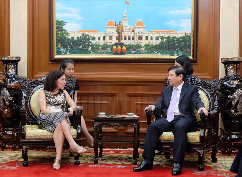 Promoting trade ties between Ho Chi Minh city and Uruguay