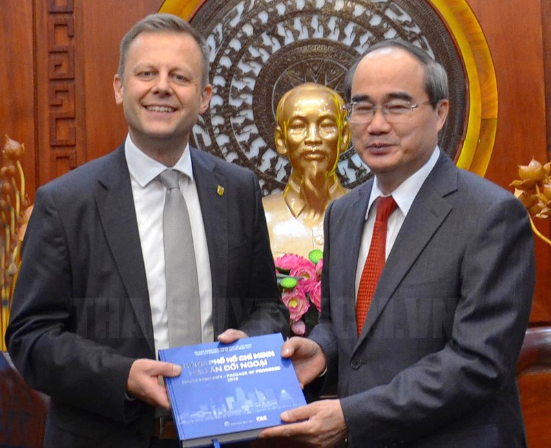 Ho Chi Minh and German cities' leaders pledges increased cooperation