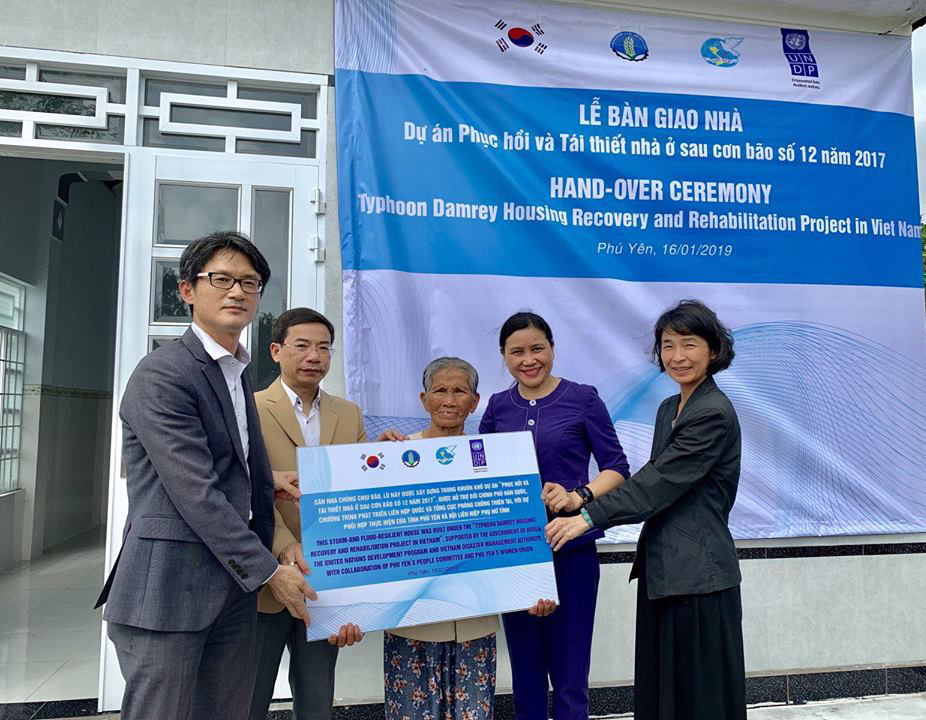 More than 100 safe houses were handed over to poor families damaged by typhoon Damrey in Phu Yen