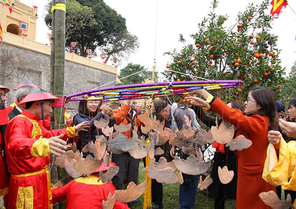 Tet program at Thang Long Imperial Citadel Relic Site