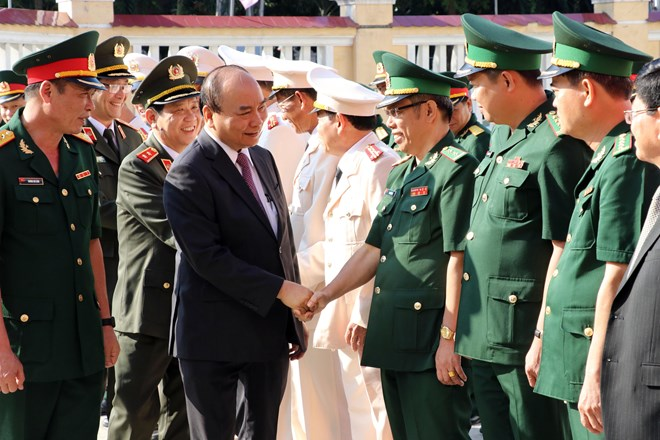 PM pays Tet visits to armed forces, residents in Da Nang city