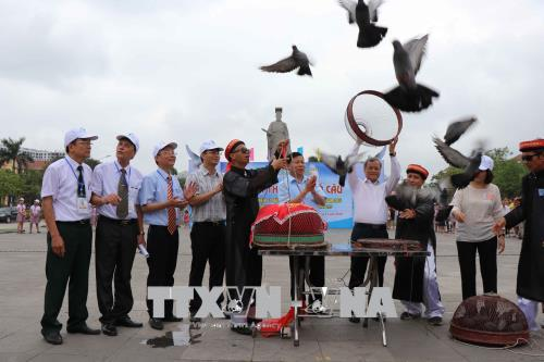 Bac Ninh releases 2,000 doves for peace