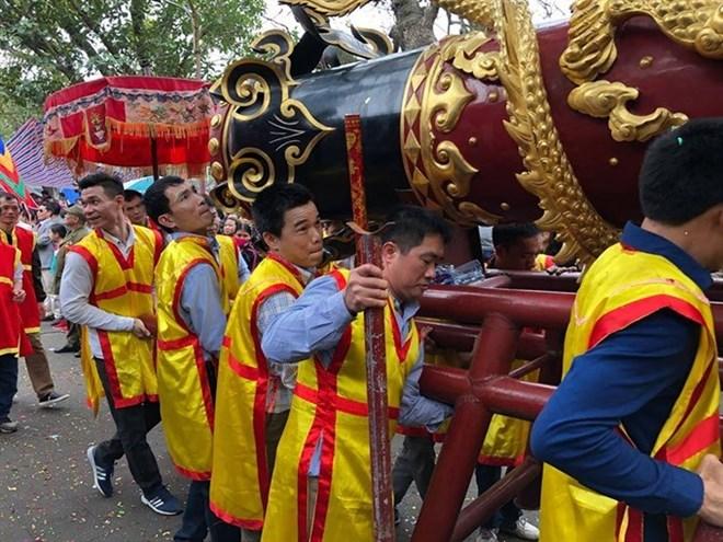 Firecracker procession festival kicks off in Bac Ninh