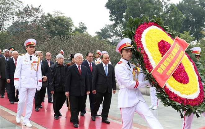 Leaders pay tribute to President Ho Chi Minh on Party's founding anniversary